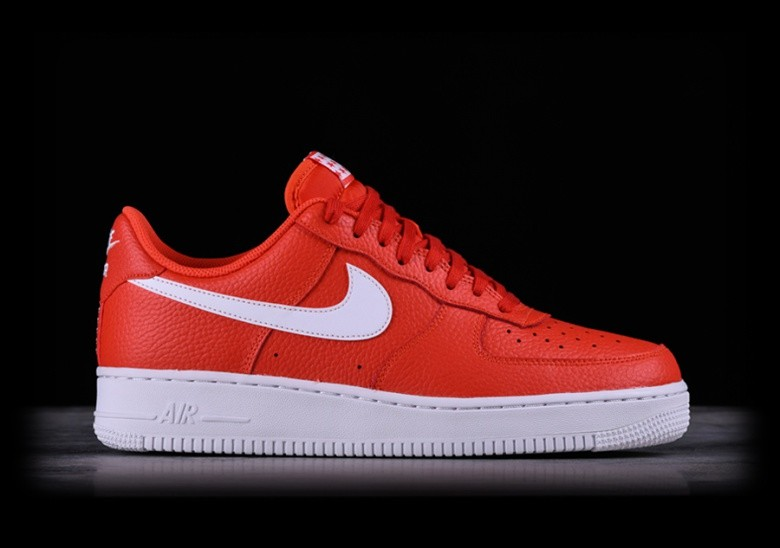 NIKE AIR FORCE 1 '07 TEAM ORANGE price €87.50 |