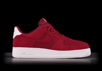 timeless design 92b21 14c60 NIKE AIR FORCE 1  07 SUEDE RED CRUSH