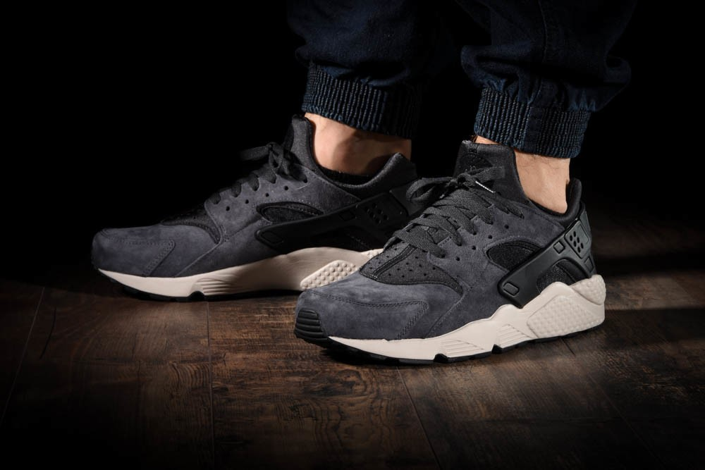 7de16036ccbb NIKE AIR HUARACHE RUN PREMIUM for £100.00