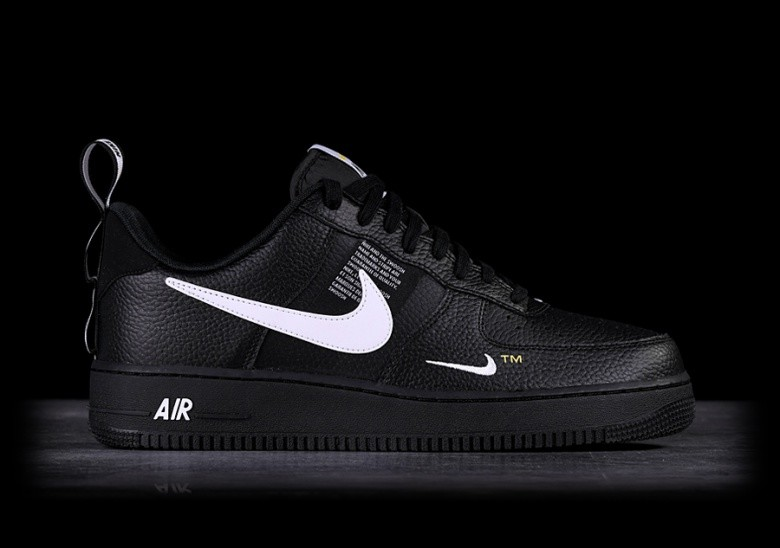 948bf28a537f NIKE AIR FORCE 1  07 LV8 UTILITY BLACK pour €109