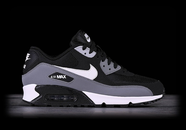 NIKE AIR MAX 90 ESSENTIAL BLACK für €125,00 |