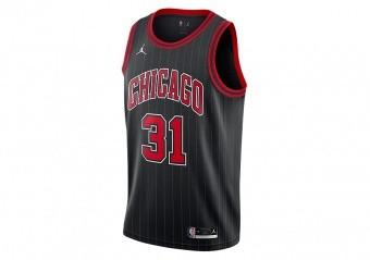 NIKE NBA CHICAGO BULLS TOMÁŠ SATORANSKÝ STATEMENT EDITION SWINGMAN JERSEY BLACK