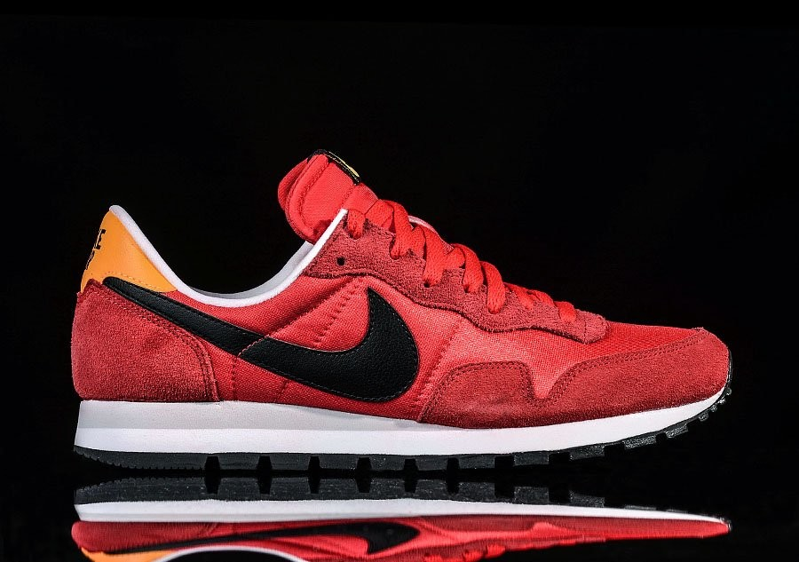 NIKE AIR PEGASUS 83 CHILLING RED